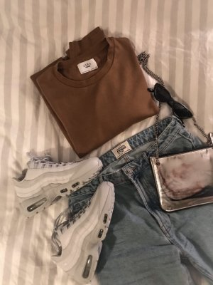 Brauner Pullover von Zara