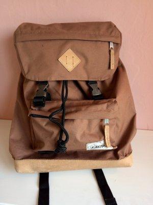 Eastpak Zaino laptop marrone chiaro-marrone