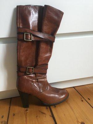Brauner Stiefel aus Leder