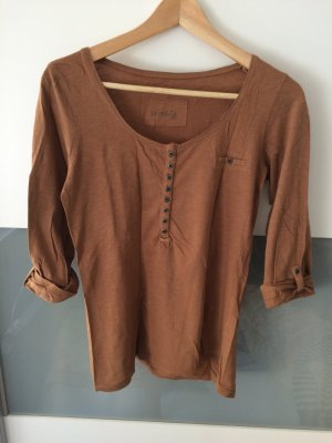 Braunes basic Shirt mit Knöpfen