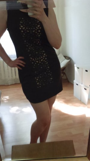 Braunes Kleid mit Ausgestanztem Muster, Gr. 42