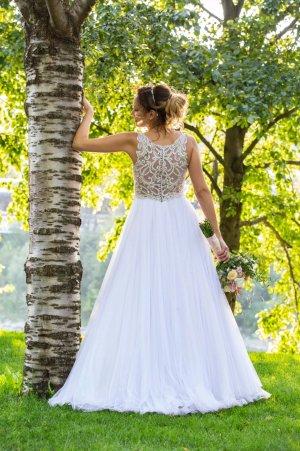 Braut- oder Ballkleid