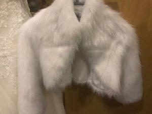 Brautbolero in Schneeweiß