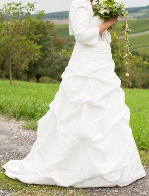 Brautkleid A-Linie mit Raffung, Satinband und Perlen (Brinkman)