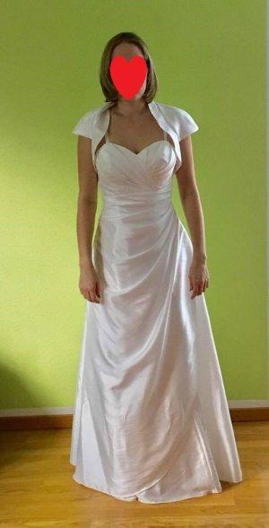 Brautkleid aus dem Jahr 2015 von Luxuar.