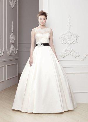 Brautkleid aus der Kollection von MODECA