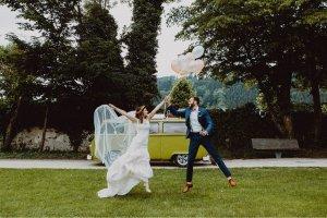 Brautkleid aus Spitze zu verkaufen