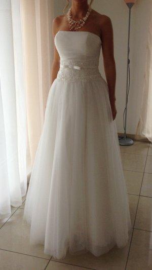 Brautkleid aus Tüll nur einmal getragen. Gekauft Dezember 2015