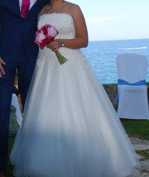Brautkleid Größe 40 schulterfrei, für die kleine Braut