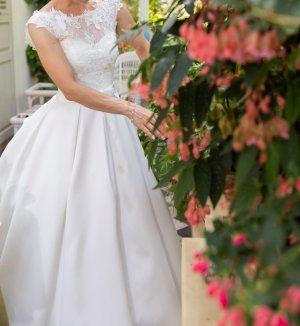 Brautkleid Hochzeitshaus Boos   ivory   XS   Schleppe   inkl. Accessoires