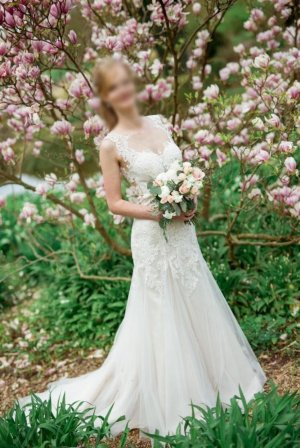 Brautkleid Hochzeitskleid ivory Spitze von Affezione Couture Sposa