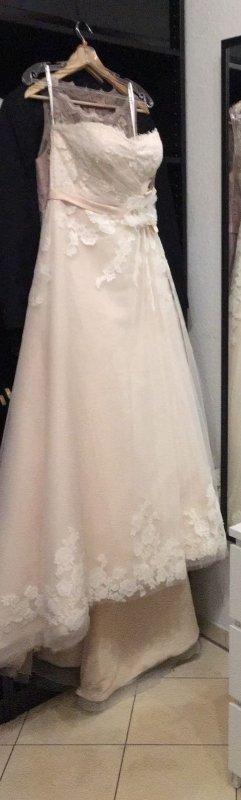Brautkleid Hochzeitskleid Ladybird Grösse 40 in einem zarten Rose