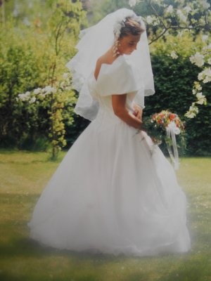 Romantik-Brautkleid Schleppe zartrosa 36-40  Mädchenflohmarkt