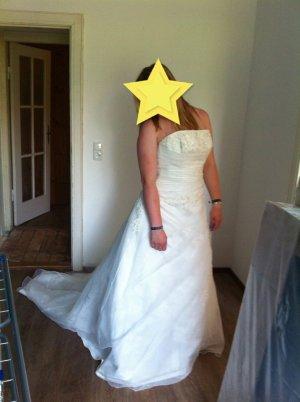 Brautkleid/Hochzeitskleid von Valerie Gr. 40