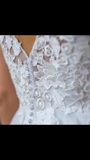 Brautkleid Hochzeitskleid weiß Lilly Diamonds
