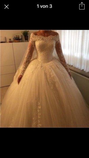 Brautkleid im Prinzessinenstil