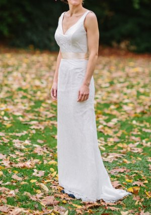 """Brautkleid """"Impression #11681, 2014"""", elfenbeinfarben, mit beigem Satingürtel"""