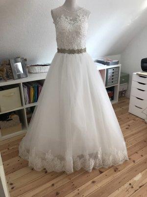 Brautkleid in M, neue zu verkaufen