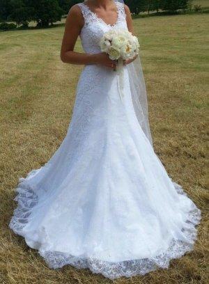 Brautkleid in weiß/ Brautkleid weis
