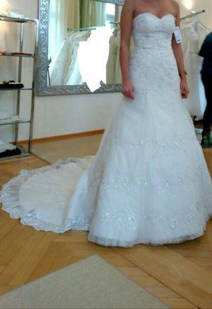 Brautkleid Kleemeier Größe 34-36, Stickereien, lange Schleppe, Tüll