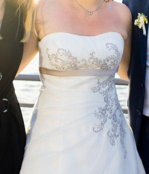 Brautkleid Ladybird Größe 40 - einmal getragen und professionell gereinigt