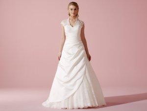 Brautkleid Lilly 3611 Gr. 38 Weiß