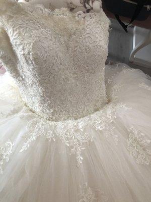 Brautkleid mit dem Schleier und Krone zu verkaufen  (spitze und Swarovski)