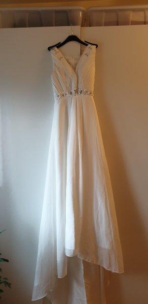 Brautkleid mit kleiner Schleppe