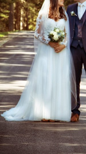 Vestido de novia blanco puro-crema