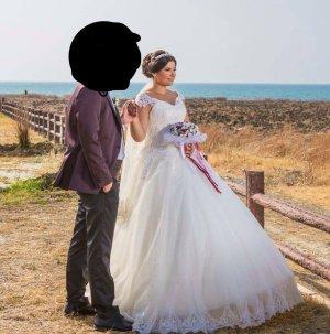 Brautkleid  mit Schleppe weiß mit französischer spitze