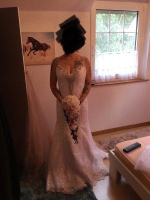 Vestido de novia blanco-gris claro