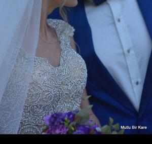 Brautkleid mit Swarovski Steinen Größe 34
