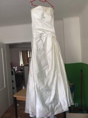 Brautkleid mit Unterrock