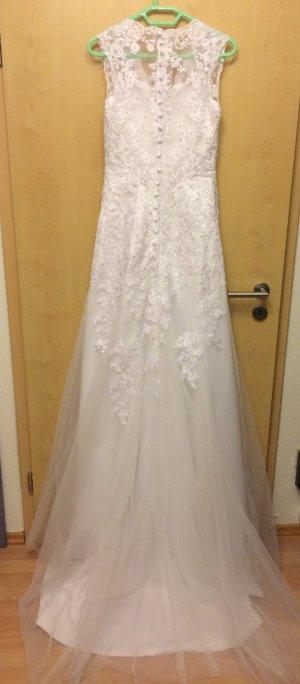 Brautkleid Spitze Paletten weiß