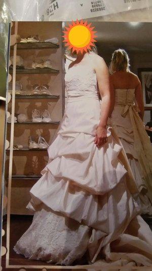 Brautkleid ungetragen