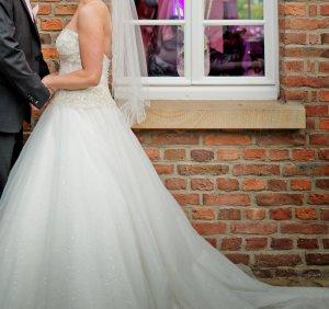 Brautkleid von Eddy K. Gr 36 incl Schleier & Stola