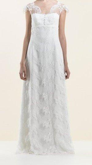 Brautkleid von *Lambert Création* aus Spitze, Ivory