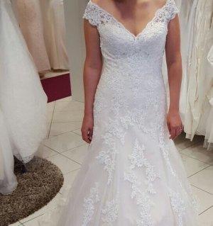 Brautkleid von Lillian West