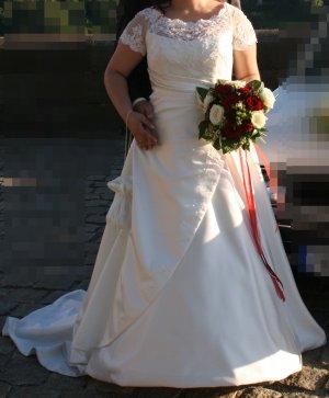 Brautkleid von LILLY Größe 40-44