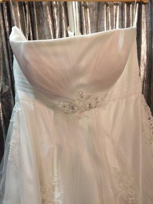 Brautkleid von Lilly Größe 44-48