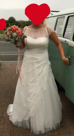 Brautkleid von Lilly, Größe 44, Farbe ivory