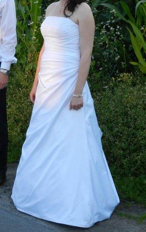 Brautkleid (weiß) incl. Reifrock (alles professionel gereinigt)