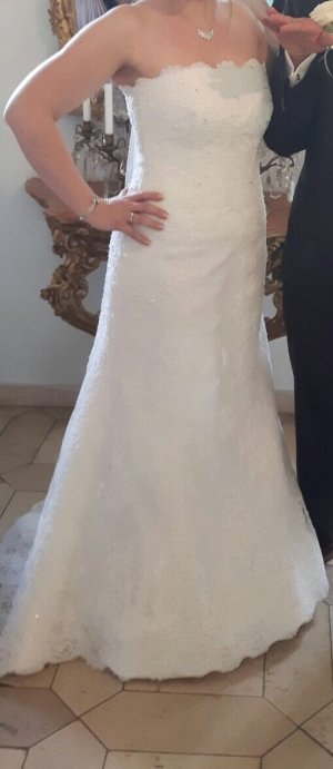 Brautkleid White one, Tamara mit Jäckchen