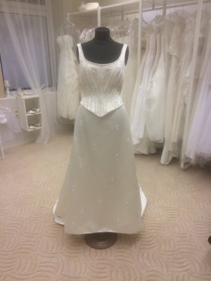 Brautkleid White Pearl