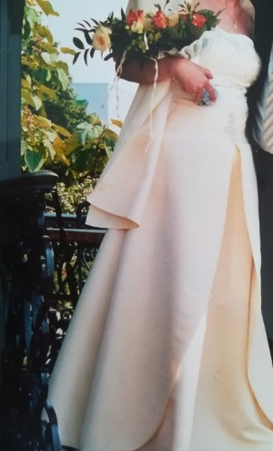 Brautkleid zartgelb Gr 40