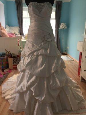 Brautkleider von Allure Bridal