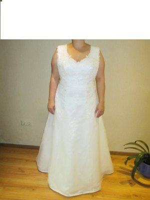 Brautklein Größe 48 von Sposa Toscana mit Bolero