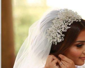 Headdress white-silver-colored