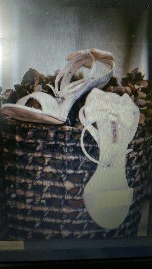 Menbur Chaussures blanc cassé-crème
