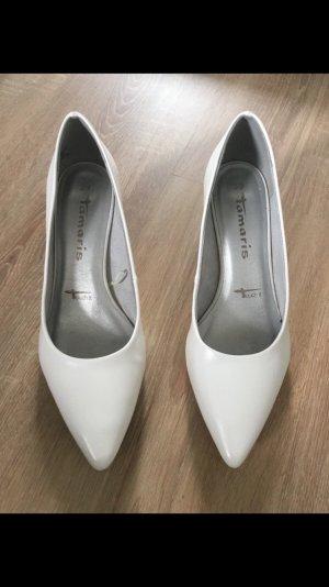 Tamaris Pointed Toe Pumps white